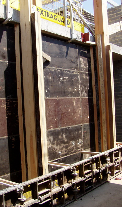 Vertical Shuttering Plywood For Wall : Rammed earth formwork